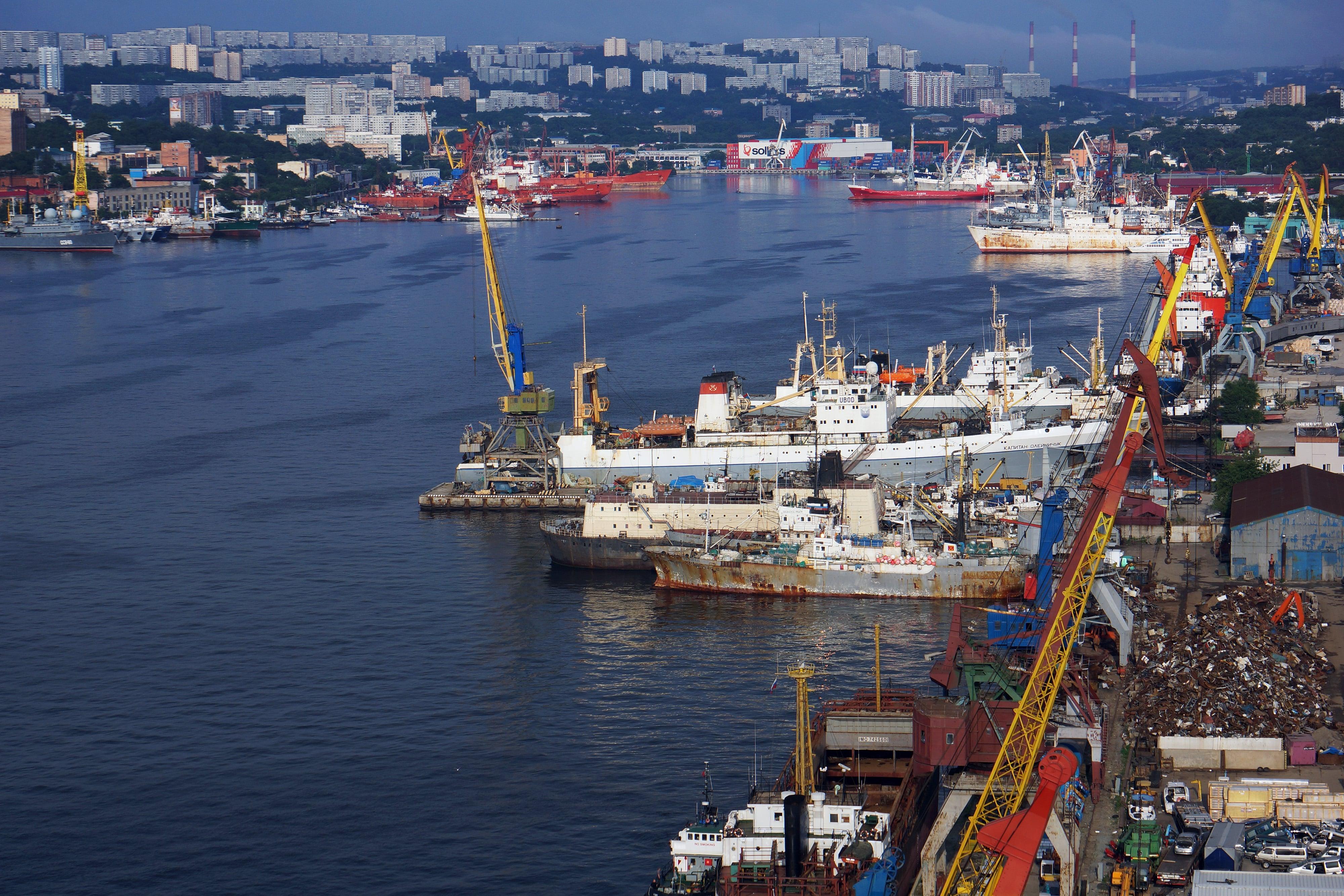 Скоро порт Владивосток станет Свободным